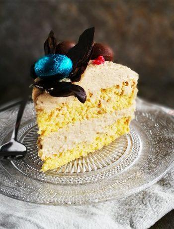Bezglutenowy tort wielkanocny z czekoladowym gniazdkiem
