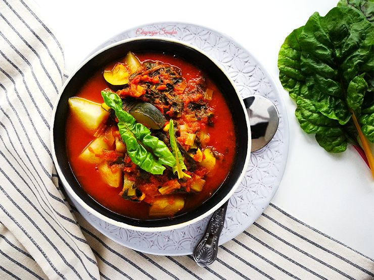 Warzywny gulasz z boćwinką i z cukinią
