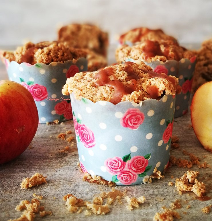 Bezglutenowe i wegańskie muffinki z jabłkami i kruszonką