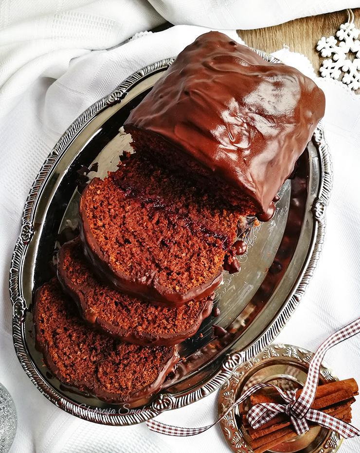 Piernik bezglutenowy z polewą czekoladową